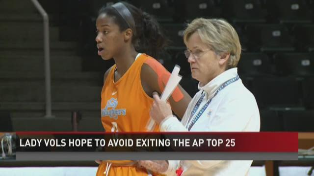 Lady Vols hope to avoid exiting the AP Top 25