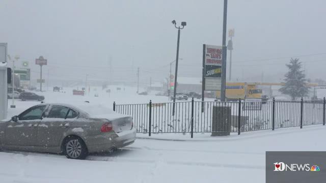 Heavy snow fallling in Jellico