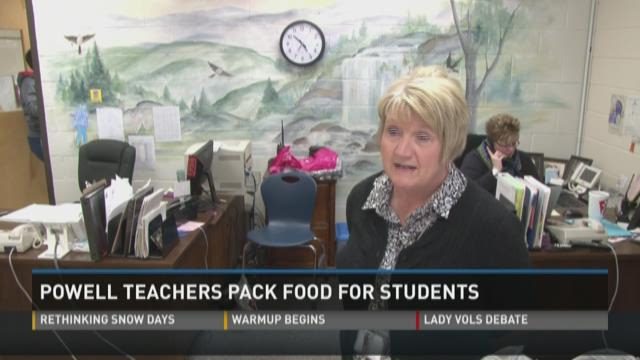 Powell teachers packing meals for students in the backpack