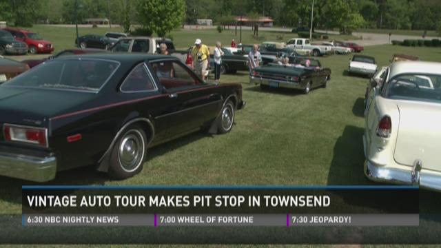 Vintage auto tour makes pit stop in Townsend