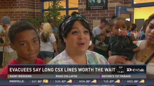 Evacuees say long CSX lines worth the wait