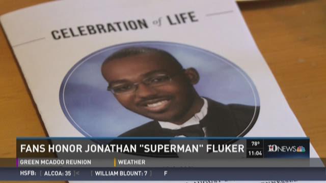 """Fans honor Jonathan """"Superman"""" Fluker"""