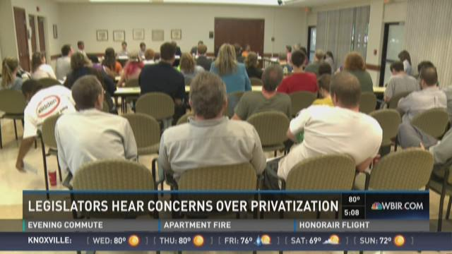 Democratic lawmakers meet with workers over privatization plan